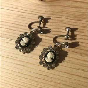 Vintage cameo clip on earrings